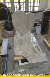 Kashmir White Granite Heartshaped Tombstone pictures & photos