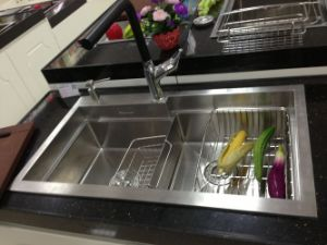 2015 Handmade Stainless Steel Kithcen Sink (8548S) pictures & photos