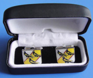 Customize Size and Logo Pair Soft Enamel Logo Birds Cuff Link for Giveaway Beautiful Velvet Box Decoration Wholesale Elegant Cufflinks pictures & photos