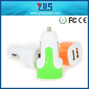 High Quality Output DC 5V 3.4A Universal Portable Dual USB Car Charger pictures & photos
