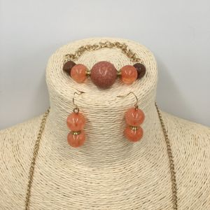 Elegence Jewelry Sets with Beads Necklace and Earring and Bracelet for Girls pictures & photos