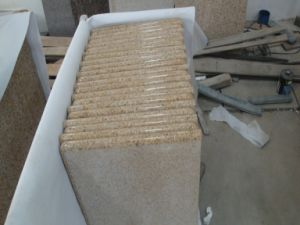 Polished/Honed/Bush Hammered G682 Golden Sand Granite for Countertop