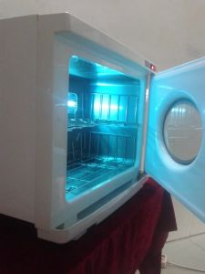 New Desgin UV Sterilizer with Windows (DN. 9823 A) pictures & photos