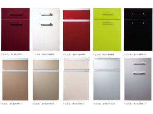 UV Solid Color Kitchen Cabinet Door pictures & photos