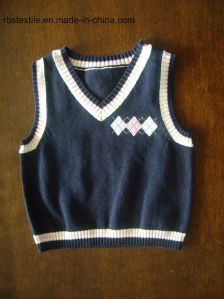 Boys V-Neck Sleeveless Sweater - True Knit pictures & photos