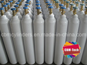 China Factory 10L Steel Oxygen Cylinders for Medical O2 Uses pictures & photos