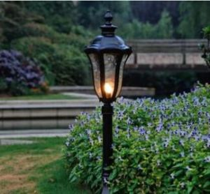 Haochang Solar Garden Lights with Easy Installation Way pictures & photos