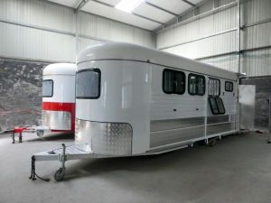 Angle Load Travel Trailer, Custom Made Horse Float pictures & photos