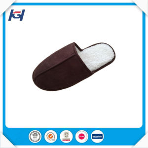 Wholesale Low Price Soft Sherpa Bedroom Slippers for Men pictures & photos