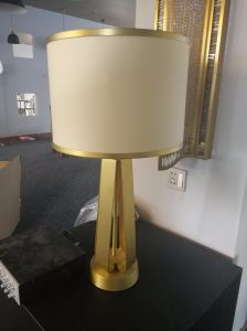 New Design Indoor Fabric Shade Modern Metal Table Lamp for Hotel (KT06121) pictures & photos