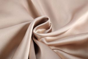 Custom Quality Warmer Satin Coat pictures & photos