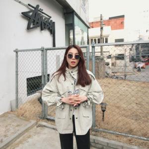 2017 Autumn New Women′s Korean Loose Drawstring Waist Windbreaker Bf Wind Casual Wild Short Tooling Women′s pictures & photos