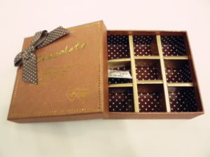 New Fashion Chocolate Cardboard Paper Gift Box with Plastic Insert pictures & photos