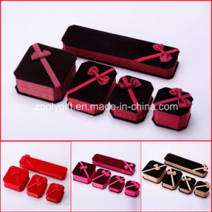 Fabric Jewelry Boxes Ring / Necklace / Bracelet Packing Box with Ribbon Bow pictures & photos