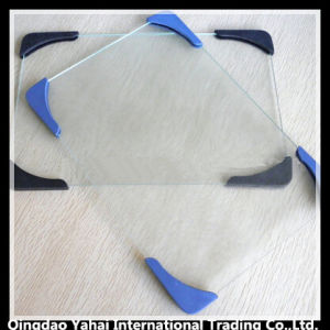 Square Tempered Glass Chopping Board with Plastic Angle pictures & photos