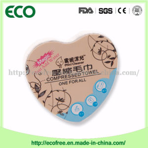 Travel Compressed Facial Napkins/ Baby Skincare Wipes Individual Candy Wrapping pictures & photos