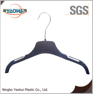 New Fashion Plastic Suit Hanger with Metal Hook for Display pictures & photos