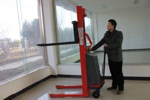 1.6-3m Semi-Electric Forklift Stacker with CE pictures & photos