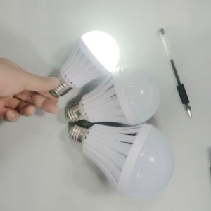 Rechargeble Portable Emergency LED Bulb Light with Built-in Battery pictures & photos