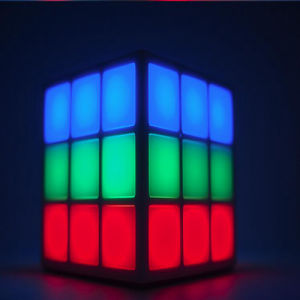Factory Price New Products 4 Surface LED Light Rubik′s Cube Bluetooth Speaker Mini Sport Wireless Bluetooth Speaker pictures & photos