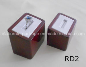 Wooden Jewelry Ring Stand Holder Display pictures & photos