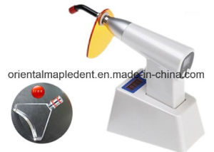 Dental LED Curing Light with Whitening and Light Meter Om-L013 pictures & photos