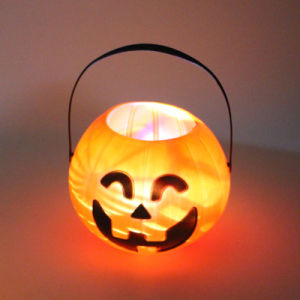 Hot Sale Pumpkin Shape Glass Candle Holders for Christmas/Halloween Gift pictures & photos
