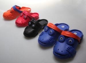 OEM Classic Fashion Children′s Clogs pictures & photos