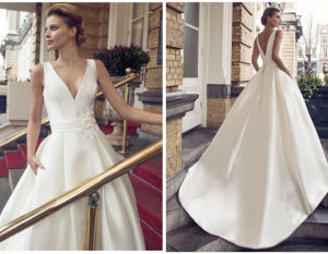 Satin Soft and Flowing Wedding Dress pictures & photos