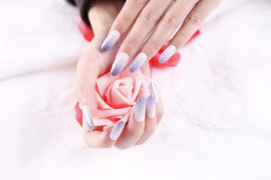 Fashion Temporary adhesive Nail Sticker Art Nail Sticker pictures & photos