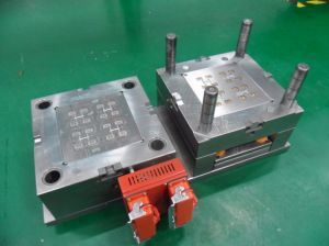 OEM Custom Factory Hot Runner System Injection Plastic Mould pictures & photos