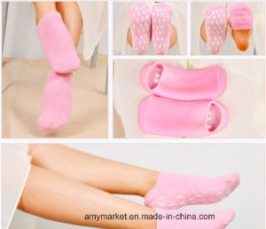 Pilaten Whitening SPA Foot Mask Moisturizing Glove Foot Care pictures & photos