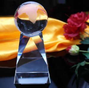 2016 New Designs Crystal Glass Trophy Craft pictures & photos