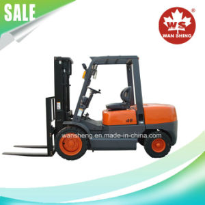High Performance Load Capacity 4 Ton Diesel Forklift pictures & photos