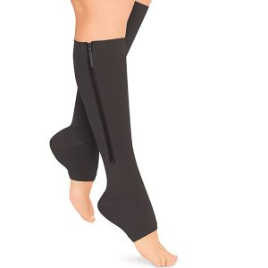 Copper Support Zip Socks Keep Blood Flow Circulating, Easing Aches and Pains pictures & photos