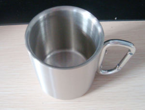 220ml 300ml Stainless Steel Cup with Mountaineering Buckle pictures & photos