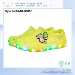 Cheap Kids Clogs with Light, EVA Garden Casual Shoes with Charms pictures & photos
