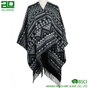 Fashion Bohemia Women Capes with Tassels pictures & photos