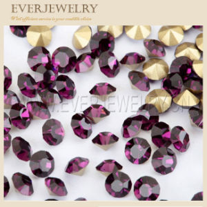 Machine Cut and Round Rhinestone for Pendant pictures & photos