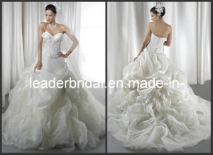 Strapless Wedding Gown Ruffles Lace Organza Bridal Ball Gown B14716 pictures & photos