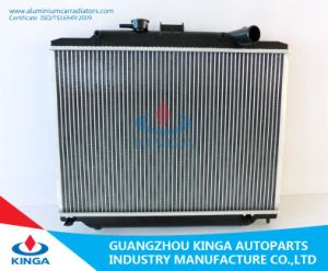 Auto Spare Parts Aluminum Radiator for Nissan Urvan′06 Mt pictures & photos