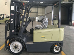 China Un Outdoor Forklift 1.5ton Four Wheel Electric Forklift Truck with CE Certificate pictures & photos