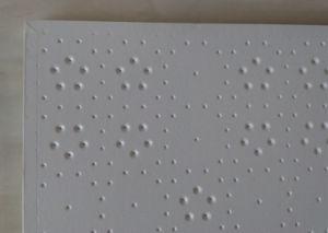 Embossed Design White PVC Gypsum Ceiling /New Craft Coated Embossed Gypsum Ceiling Tile pictures & photos
