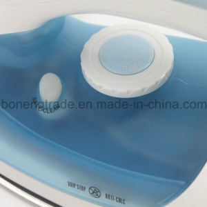 Hot-Selling Travelling Steam Iron Electric Iron with Ceramic Soleplate pictures & photos