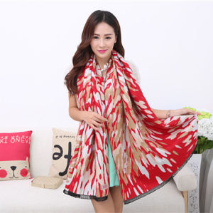 Lady Fashion Acrylic Woven Fringed Jacquard Winter Shawl (YKY4448) pictures & photos