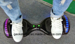 M011 6.5 Inch 44000mAh Smart Electric Twisting Hoverboard with Bluetooth Speaker/LED Light pictures & photos