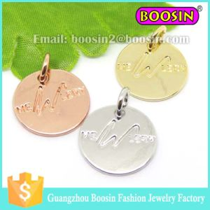 Custom Silver Jewelry Engraved Metal Letter Logo Tag Charm pictures & photos