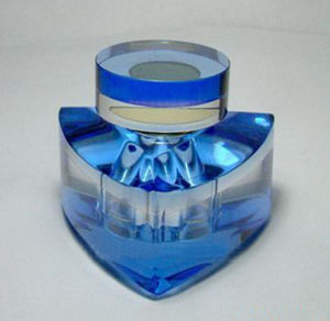 High-Quality Blue Crystal Glass Perfume Bottle pictures & photos