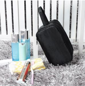 Water-Proof Wash Bag Make-up Bag Outdoor Travel Portable Storage Bag Uni-Sex Cosmetic Bag pictures & photos
