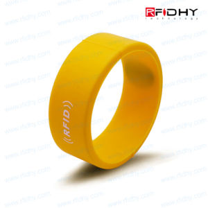 2016 Latest Manufacturers Silicone Tag Wristband Sport RFID with Logo Printing pictures & photos